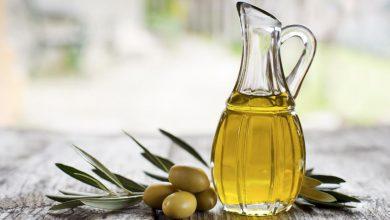 صورة كيف نميز زيت الزيتون الأصلي عن نظيره المغشوش .. و10 فوائد لتناوله على الريق