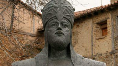 """صورة كان بائعاً في دكان فأصبح ملكاً على الأندلس .. الملك المنصور """"محمد بن أبي عامر"""" الذي خاض 54 معـ.ـركة ولم يخسر واحدة منها"""
