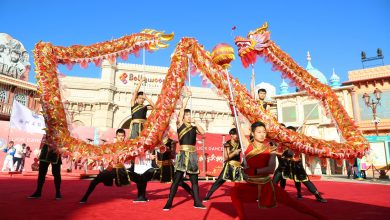 صورة الرئيس الصيني يحذر من اضطـ.ـهاد بلاده .. يضـ.ـربون رؤوسهم في سور من الفولاذ