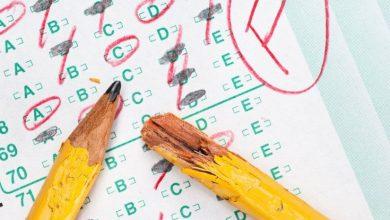 صورة كيف تتعاملون مع ابنكم أو ابنتكم في حال لم تنجح بامتحاناتها الدراسية.. وإلى ماذا تؤدي الضغوط النفسية عليها والعقوبات؟