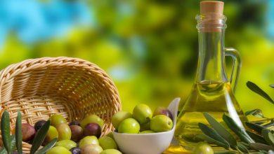 صورة حتى لا تقع في مصيدة الخداع .. تعرف على أبرز الطرق للتمييز بين الزيت الأصلي والمغشوش