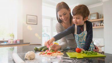 صورة عشر نصائح تساعدك في تشجيع طفلكِ على تناول الخضار والفاكهة.. وما الفائدة التي تقدمها الخضراوات والفواكه؟