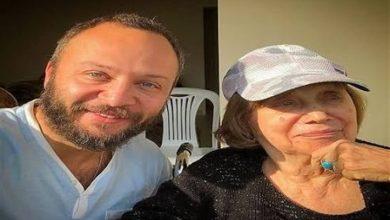 صورة بعد مرور أربعين يوم.. مكسيم خليل ينشر صورا لأمه وكيف كانت ردة فعل نجوم سوريا يوم وفاتها